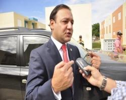 Alcalde reclama más inversiones y presupuesto para Santiago